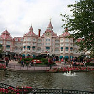 BucketList + Visit Disneyland Paris
