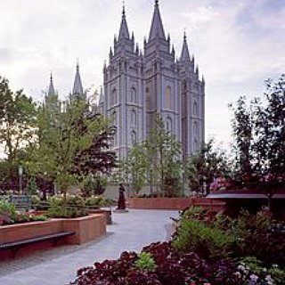 BucketList + Go On A Date To Temple Square During Christmas Time