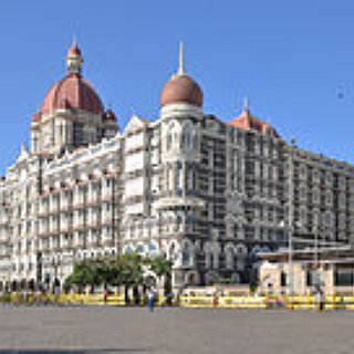 BucketList + Have Cocktails At The Taj Hotel In Mumbai