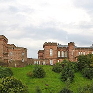 BucketList + Tour Castles Near Inverness, Scotland