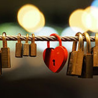 BucketList + Visit Love Lock Bridge In Paris With My Love