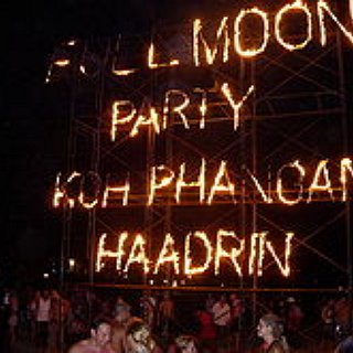 BucketList + Attend A Full Moon Party In Thailand