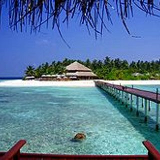 BucketList + Go On A Vacation To The Maldives.