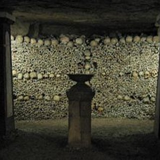 BucketList + Visit The Catacombs Of Paris