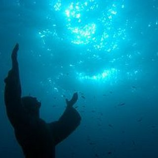 BucketList + Visit Christ Of The Abyss
