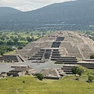 BucketList + Visit Pyramids Of Sun And Moon In Mexico