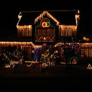 BucketList + Take A Drive To See The Holiday Decorations