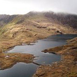 BucketList + Hike Up Mount Snowden