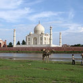 BucketList + Vist The Taj Mahal